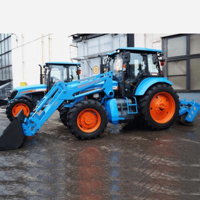 Коммунальные тракторы с ФГП-0,3 и щеткой